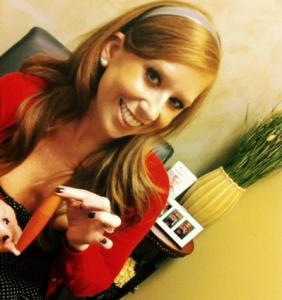Jessica showing off favorite mascara